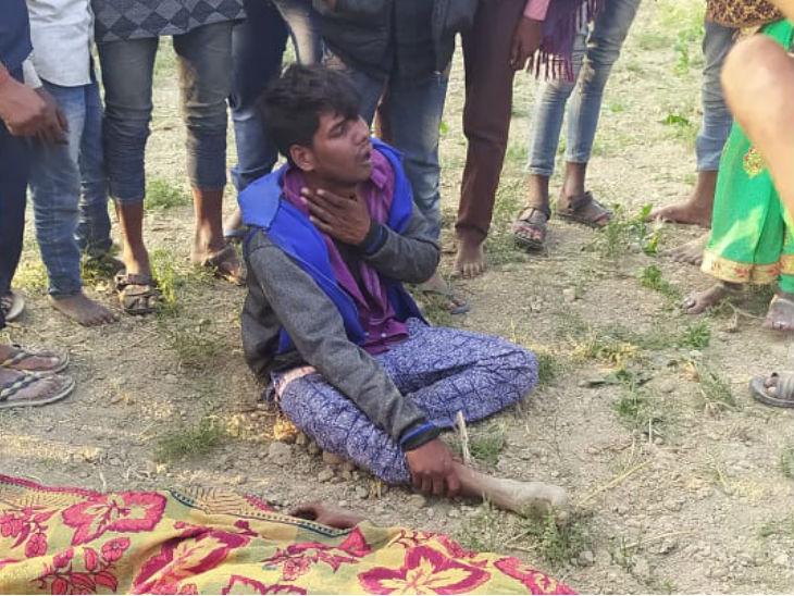 ननिहाल में आई युवती की चाकू से गला रेतकर हत्या, ग्रामीणों ने दौड़ाकर हत्यारोपी को दबोचा तो शव के पास बैठ रोने लगा वाराणसी,Varanasi - Dainik Bhaskar