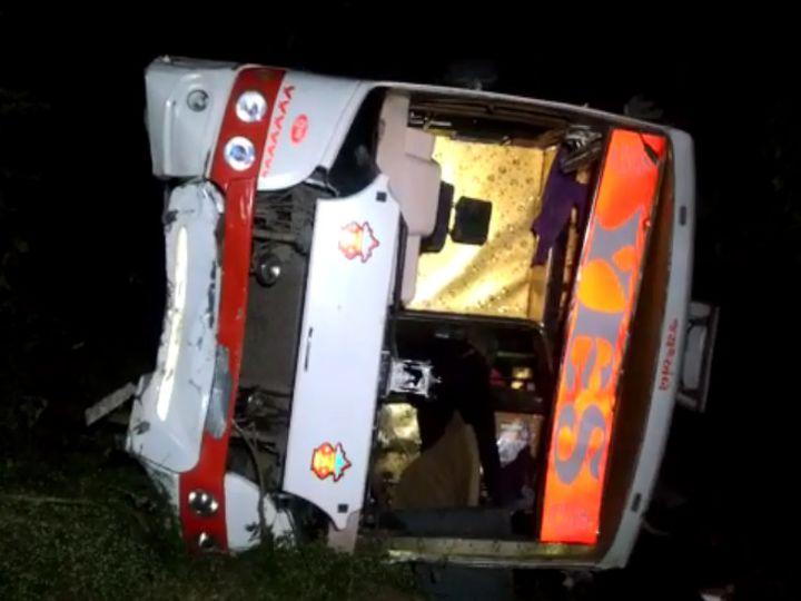 महाराष्ट्र के भुसावल से अहमदाबाद आ रही इस बस में करीब 35 यात्री सवार थे।