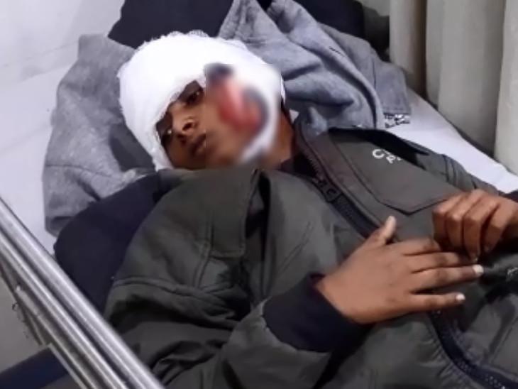 पांच की हालत गंभीर होने पर उन्हें सूरत के सिविल अस्पताल में शिफ्ट किया गया है।