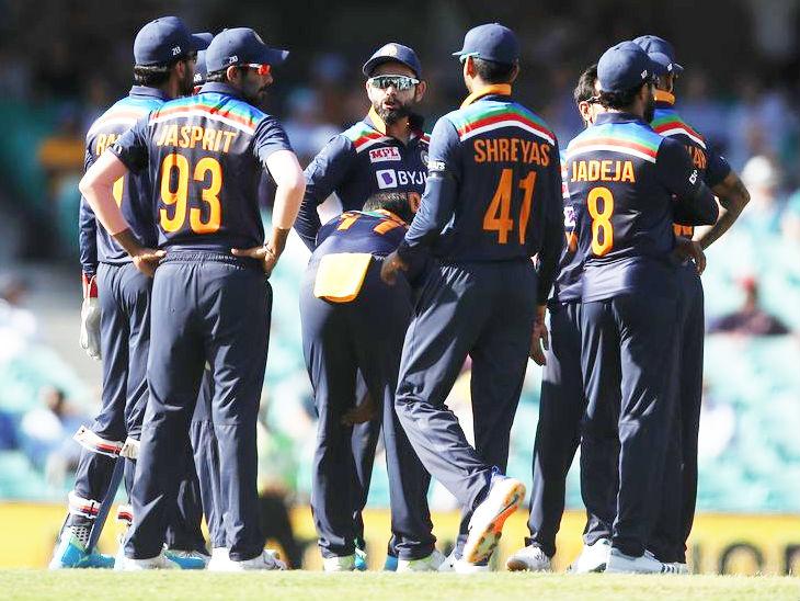 भारत vs ऑस्ट्रेलिया: पहले वनडे में हार के बाद टीम इंडिया पर दोहरी मार, स्लो ओवर रेट के लिए प्लेयर्स की 20-20% मैच फीस कटेगी | हिंदी-न्यूज़
