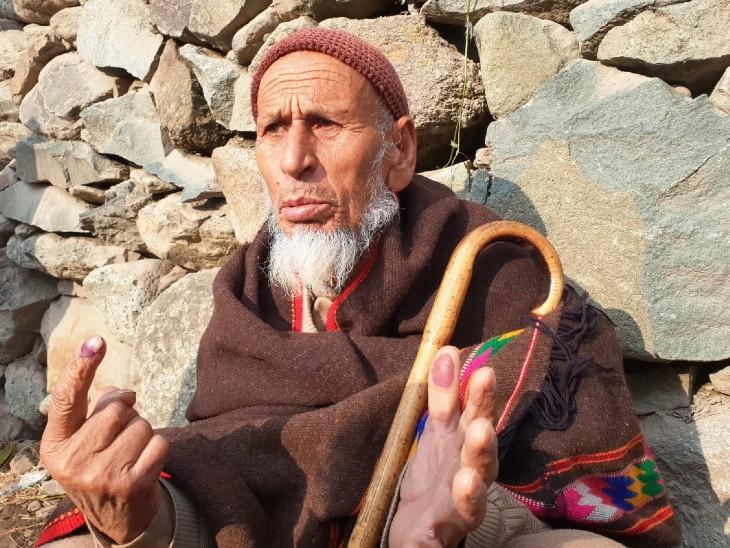 वोटर्स बोले- इस बार विकास के लिए वोट डाल रहे; गैर भाजपा प्रत्याशियों का आरोप- प्रचार से रोका जा रहा|देश,National - Dainik Bhaskar