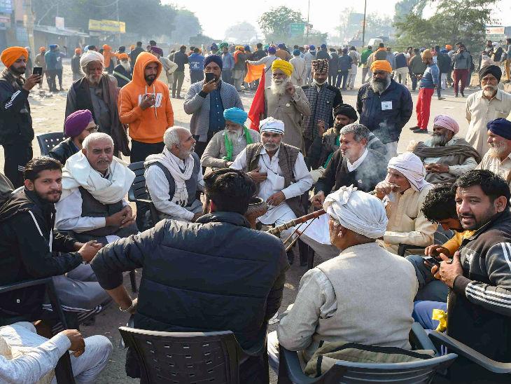शनिवार शाम आंदोलनकारियों ने तंबू गाड़ना शुरू कर दिया था। वे पूरी तैयारी के साथ डटे हैं।