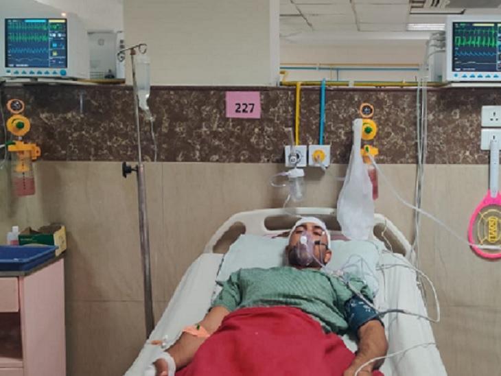 ब्लास्ट में घायल जवानों को रायपुर के रामकृष्ण अस्पताल में भर्ती कराया गया है।