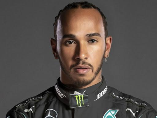 मर्सिडीज टीम के ड्राइवर हैमिल्टन ने पिछले हफ्ते ही माइकल शूमाकर के सबसे ज्यादा 7 वर्ल्ड चैम्पियनशिप जीतने के रिकॉर्ड की बराबरी की। -फाइल फोटो - Dainik Bhaskar
