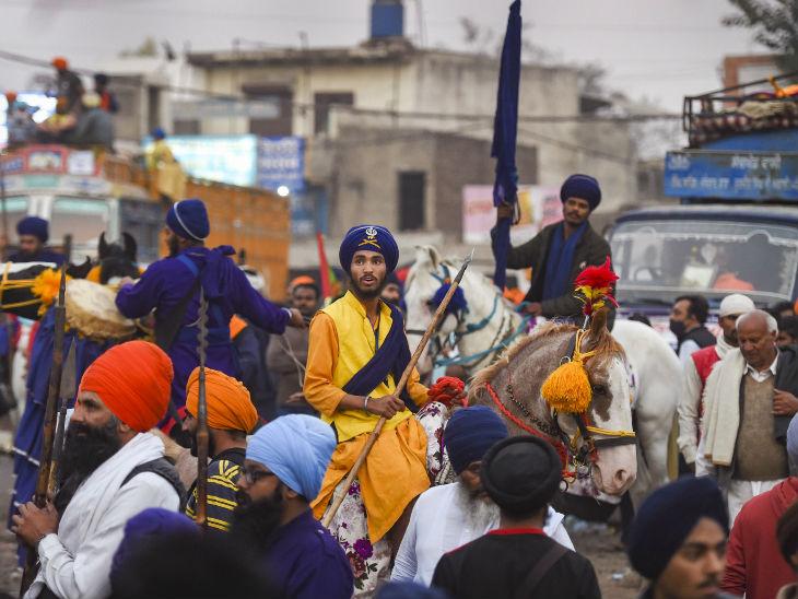 दिल्ली की सीमा पर पंजाब के सभी रंग दिखाई दे रहे हैं। सिंघु बॉर्डर का नजारा देखकर एकबारगी तो लगता है कि यह पंजाब का ही कोई मोहल्ला है।