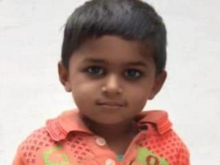 महोबा में 30 फीट गहरे बोरवेल में फंसे 4 साल के बच्चे को SDRF ने निकाला, अस्पताल में मौत; 20 घंटे चला रेस्क्यू|झांसी,Jhansi - Dainik Bhaskar