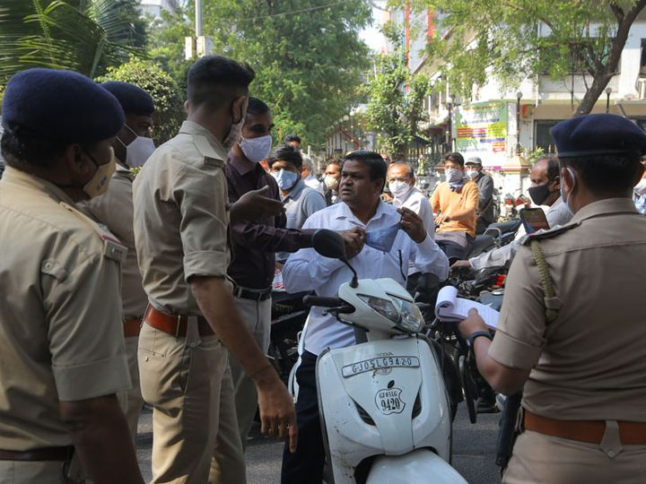 अहमदाबाद, सूरत, वडोदरा और राजकोट में लगा हुआ है रात 9 से सुबह 6 बजे तक का कर्फ्यू।