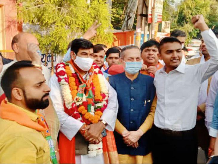 यूपी में एमएलसी चुनाव: मेरठ खंड शिक्षक सीट पर ढा 48 साल पुराना थाला;  भाजपा के श्रीचंद ने 8 बार से जीतते हुए ओपी शर्मा को हरा दिया