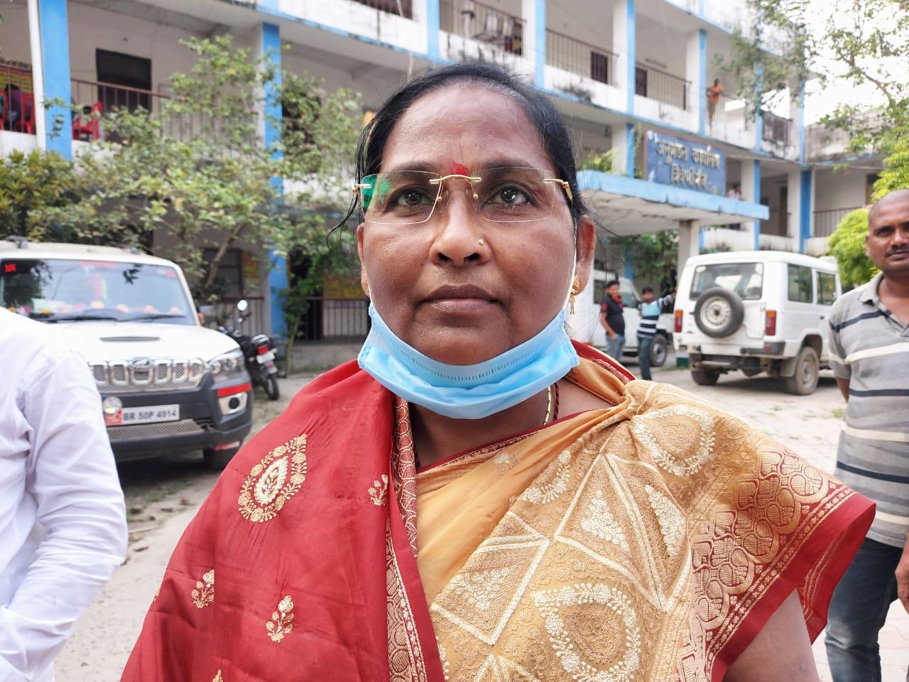 मृतक की मां व जदयू विधायक वीणा भारती।