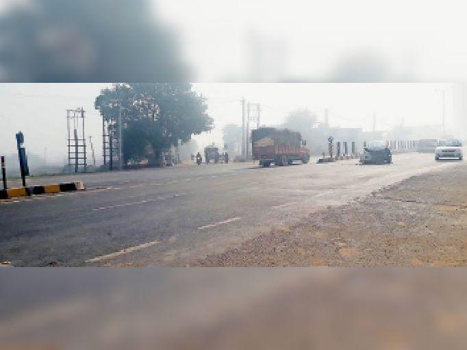 हाईवे पर चौराहे बन रहे हैं हादसा का कारण, वाहन चालकों ने चौक बनाने की मांग की उचाना,Uchana - Dainik Bhaskar