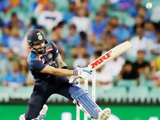 कोहली ने 24 बॉल पर 40 रन की पारी खेली। उन्होंने स्कूप शॉट से एक छक्का भी जड़ा। मैच के बाद कोहली ने कहा- इस शॉट की फोटो एबी डिविलियर्स को भेजूंगा। उनसे पूछूंगा कि वे इसके बारे में क्या सोचते हैं?