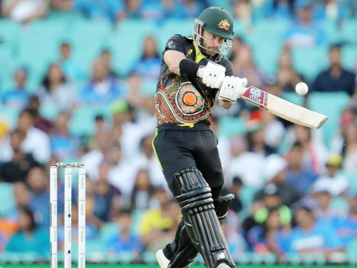 एरॉन फिंच की गैरमौजूदगी में ऑस्ट्रेलियाई विकेटकीपर मैथ्यू वेड कप्तानी संभाली। उन्होंने 32 बॉल पर सबसे ज्यादा 58 रन की पारी खेली।