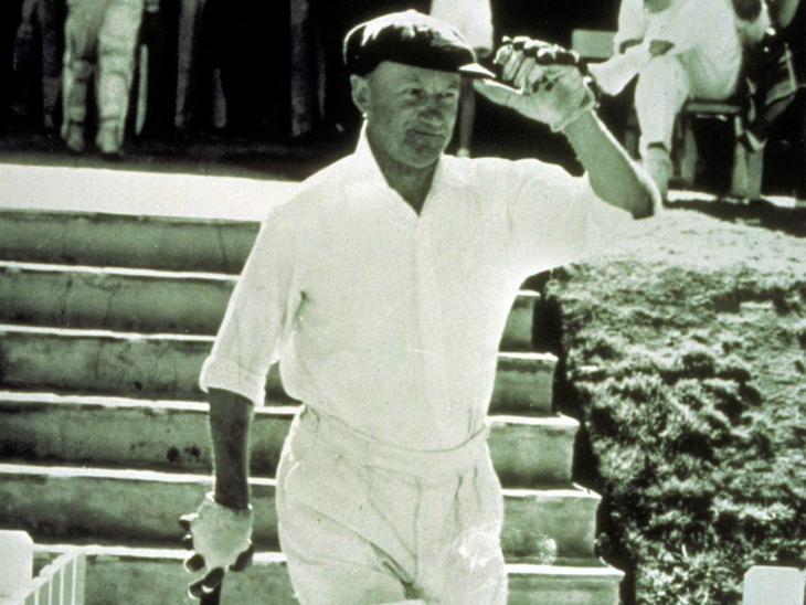 पूर्व ऑस्ट्रेलियाई कप्तान डॉन ब्रैडमैन की डेब्यू टेस्ट की 'बैगी ग्रीन' कैप को गुरुवार को नीलाम किया जाएगा। - Dainik Bhaskar