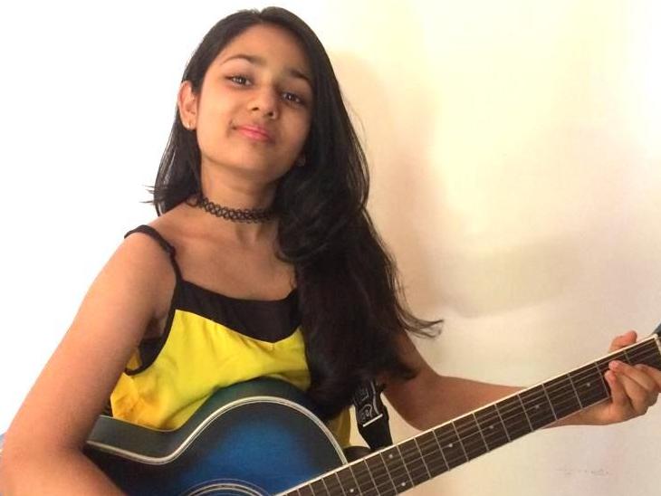अयाना ने अपने गीतों के माध्यम से कोविड वॉरियर्स को ट्रिब्यूट दी है।