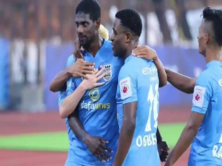 ISL के खेले गए मैच में मुंबई सिटी एफसी ने लगातार तीसरी जीत दर्ज की। - Dainik Bhaskar