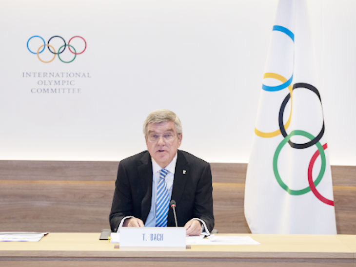 IOC अध्यक्ष थॉमस बाक ने कहा कि कोरोना के चलते पेरिस ओलिंपिक के खर्चे में कटौती भी की जाएगी (फाइल फोटो) - Dainik Bhaskar