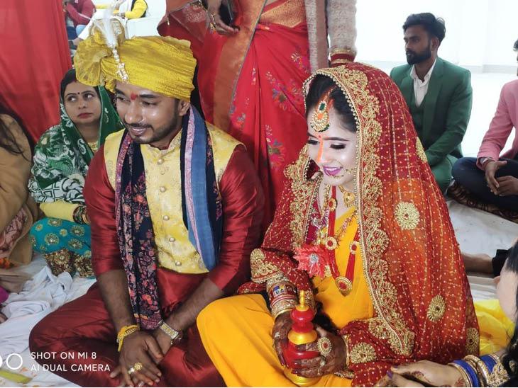 विवाह की रस्मों के दौरान गरिमा और राणा प्रताप सिंह।
