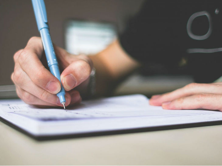 ICAI समेत कई इंस्टीट्यूट ने स्थगित की परीक्षाएं, अब नई तारीखों पर होगी परीक्षा का आयोजन|करिअर,Career - Dainik Bhaskar