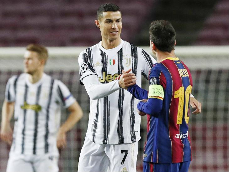 मैच में इस तरह मिले क्रिस्टियानो रोनाल्डो और लियोनल मेसी।
