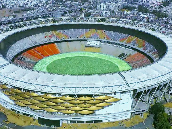 मोटेरा के सरदार वल्लभ भाई पटेल क्रिकेट स्टेडियम में एक लाख 10 हजार दर्शकों के बैठने की क्षमता है। (फाइल फोटो) - Dainik Bhaskar
