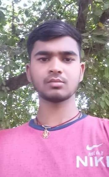 मृतक अजीत कुमार की फाइल फोटो।