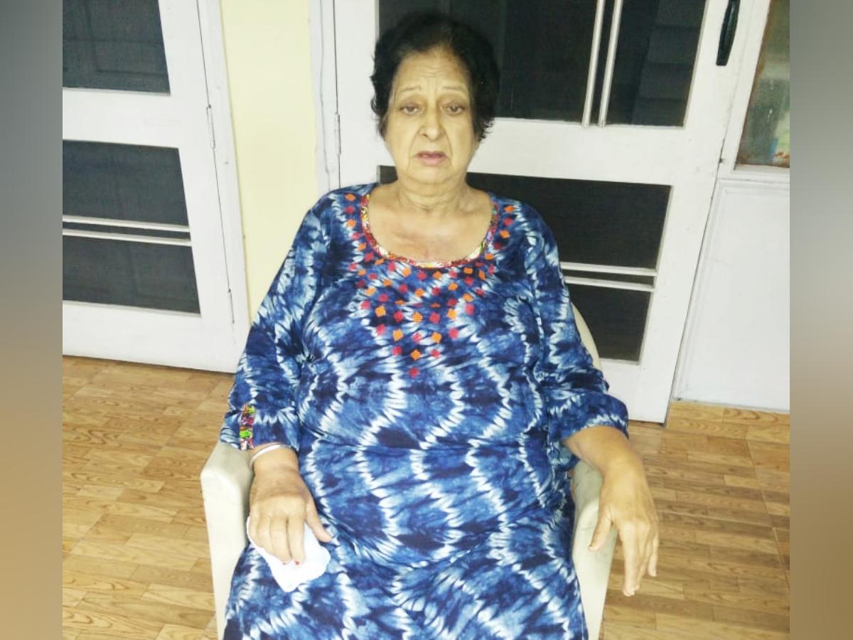 जेडी की पत्नी सतीश कुमार कहती हैं कि हमारी शादी 21 नवंबर 1962 को हुई थी, हम लोग करीब आठ साल ही साथ रह पाए।