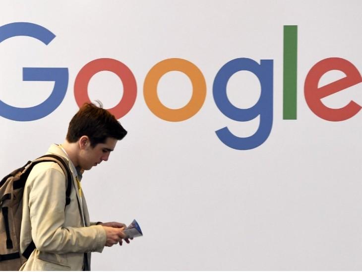गूगल पर मुकदमा, ऑनलाइन ऐड मार्केट में जोड़तोड़ के लिए फेसबुक सेसांठगांठ करने का आरोप | Google sued, accused of colluding with Facebook for manipulating online ad market