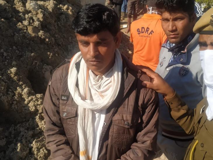 कुएं से शव निकलता देख रो पड़ा मृतक मजदूर का छोटा भाई, बोला- आखिरकार अंतिम संस्कार कर पाएंगे राजस्थान,Rajasthan - Dainik Bhaskar