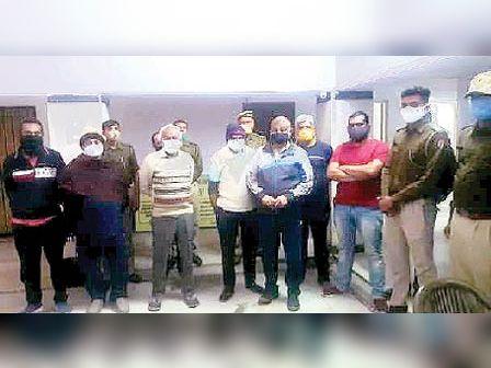 आदर्श घाेटाले के 11 आरोपियों काे जयपुर जेल से गिरफ्तार कर लाई खांडा फलसा पुलिस जोधपुर,Jodhpur - Dainik Bhaskar