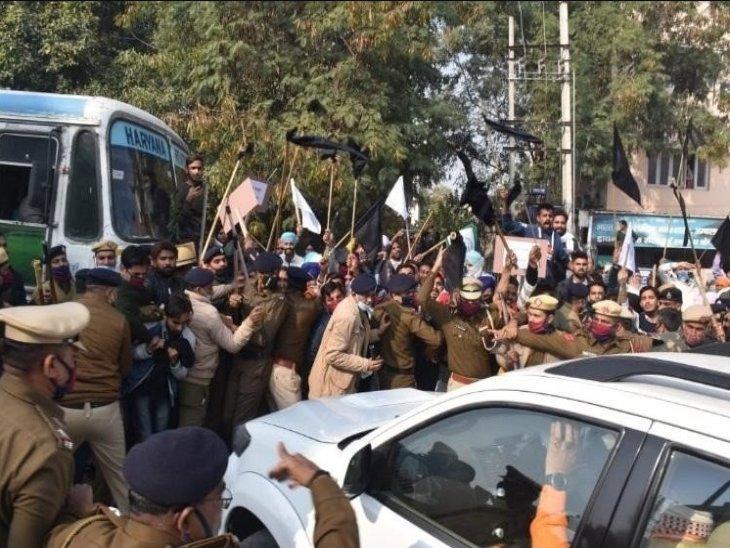 Manohar Lal Khattar Convoy Attack Update | Farmers Attack On Haryana CM Manohar Lal's Convoy In Ambala | हरियाणा के CM की गाड़ी पर अंबाला में किसानों ने डंडे बरसाए, पुलिस से धक्का-मुक्की हुई