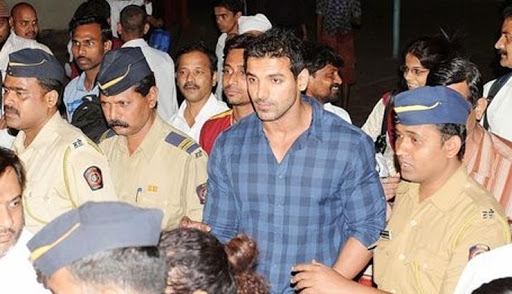 Jailed Celebs: From Akshay Kumar, Fardeen Khan to Saif Ali Khan, these Bollywood celebs have been arrested in a rave party, sometimes in a drug case. MediaWinii 01/03/2021