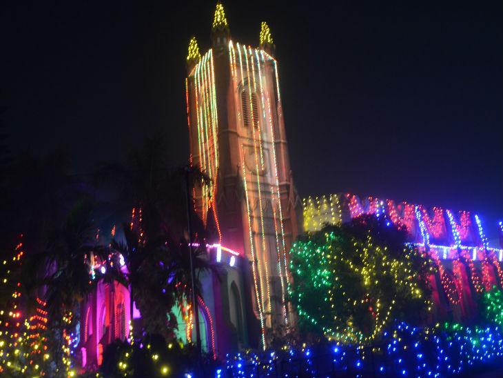 रंग-बिरंगी रौशनी से नहाए पटना के चर्च, इस बार नहीं होगी कैरोल सिंगिंग, दो शिफ्टों में होगा मास प्रेयर बिहार,Bihar - Dainik Bhaskar