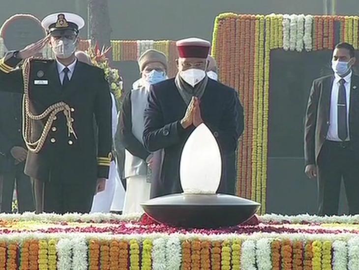 राष्ट्रपति रामनाथ कोविंद ने पूर्व प्रधानमंत्री को श्रद्धांजलि अर्पित की।