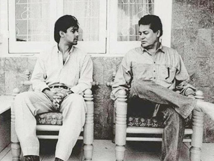 सलमान खान ने एक बार पिता सलीम खान से उनके लिए फिल्म लिखने और उन्हें लॉन्च करने के लिए कहा था। लेकिन सलीम ने इनकार कर दिया था। उन्होंने सलमान से कहा था कि बॉलीवुड में सफलता सिर्फ कड़ी मेहनत से प्राप्त की जा सकती है। सलीम खान ने सलमान से स्पष्ट रूप से कहा था कि वे होम प्रोडक्शन में पैसा नहीं गंवाना चाहते।