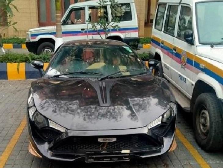 पुलिस ने उनकी कंपनी द्वारा बनाई गई 'DC अवंती' कार को भी जब्त किया है।