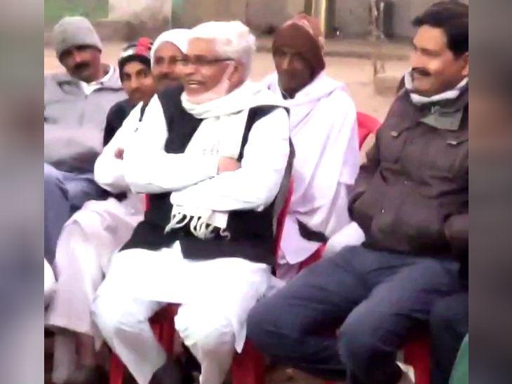 मरहम न सही अपमान तो न करिए 'नेताजी': अलीगढ़ में शहीद नेत्रपाल के अंतिम संस्कार में भाजपा-सपा नेताओं ने लगाए ठहाके, वीडियो वायरल