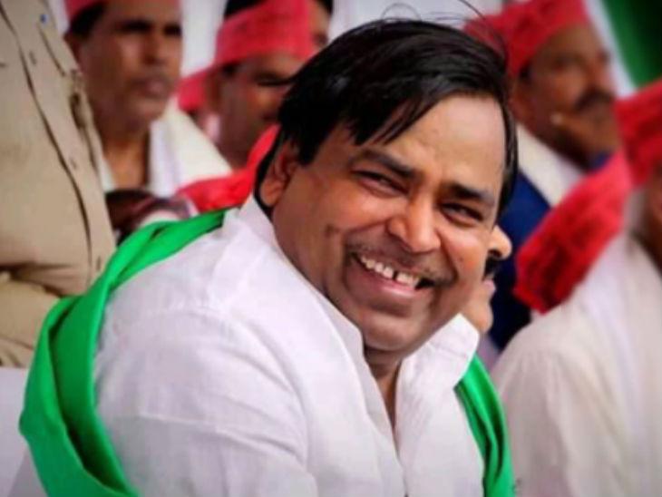 पूर्व मंत्री गायत्री प्रजापति के घर से ED को मिले 11 लाख के पुराने नोट और 100 से अधिक बेनामी प्रॉपर्टी के दस्तावेज|उत्तरप्रदेश,Uttar Pradesh - Dainik Bhaskar