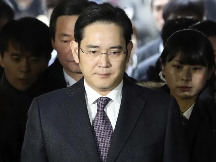 सैमसंग आरोप्वत मामला: सैमसंग के डिफैक्टो प्रमुख ली जे योंग को आरोप्वत मामले में 9 साल की जेल होगी।