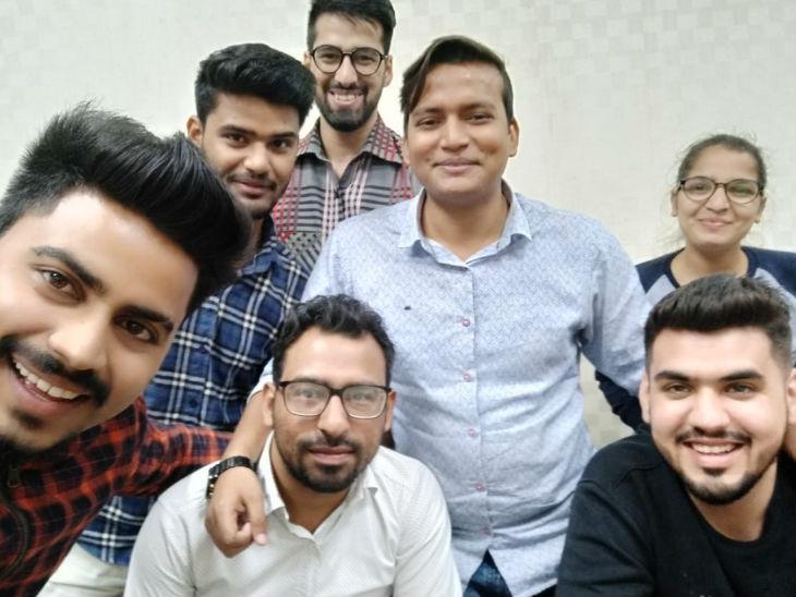 राहुल बताते हैं कि जब ऐप लॉन्च किया तो 25 लाख रुपए का कर्ज लेना पड़ा था। अब 50 लाख लोग इसे डाउनलोड कर चुके हैं।