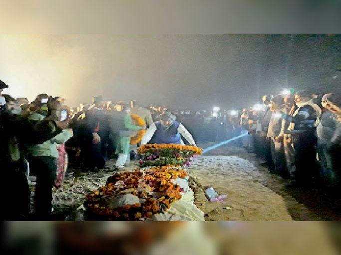 जम्मू व कश्मीर में शहीद राईखेड़ा के सपूत रोहताश को नम आंखों से दी अंतिम विदाई|तिजारा,Tijara - Dainik Bhaskar