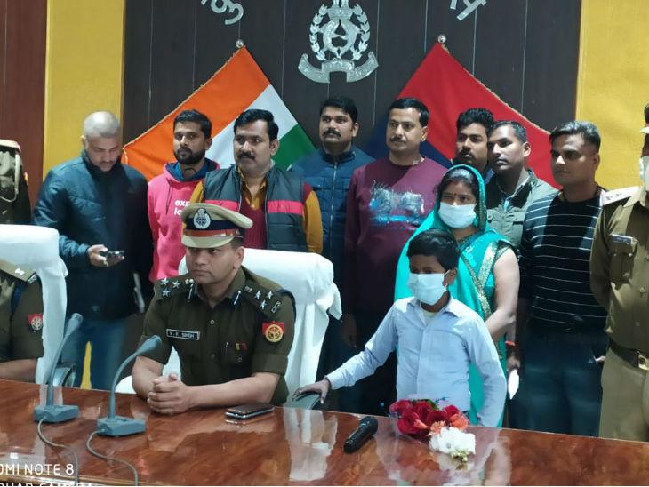 कुशीनगर में 11 साल का बच्चा सकुशल बरामद; कोचिंग संचालक अरेस्ट, अगवा कर मांगी थी 20 लाख की फिरौती गोरखपुर,Gorakhpur - Dainik Bhaskar