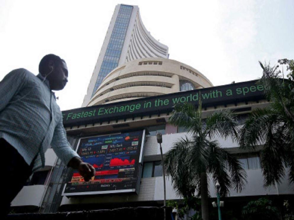 FII ने पिछले साल दिसंबर में कुल 53,499.66 करोड़ रुपए का निवेश किया।                                                                     ( फाइल फोटो) - Dainik Bhaskar