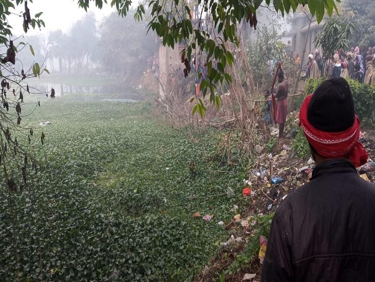 इसी तालाब में डूबकर युवक की गई जान। - Dainik Bhaskar