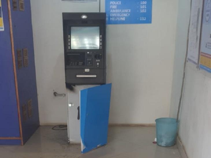 ATM Robbery Attempt In Chhattisgarh Bhila | ट्रॉली बैग में भरकर गैस कटर  लेकर आया, 20 मिनट तक काटता रहा ATM, फिर भी नहीं ले जा सका रुपए - Dainik  Bhaskar