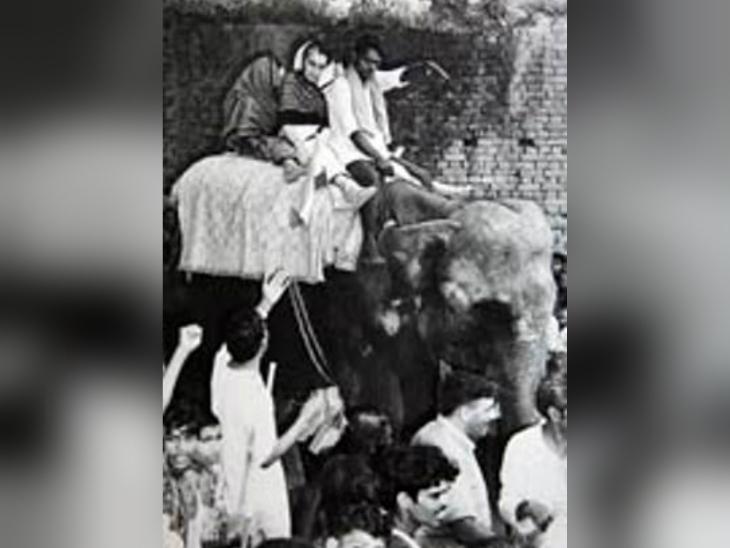 इंदिरा गांधी की यही तस्वीर जब अगले दिन अखबारों में छपी, तो दुनियाभर में उनकी तारीफ हुई।