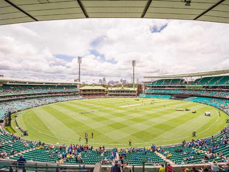 सिडनी क्रिकेट ग्राउंड में 7 जनवरी से खेले जाने वाले तीसरे टेस्ट के दौरान दर्शकों को मास्क लगाना अनिवार्य होगा। (फाइल फोटो) - Dainik Bhaskar