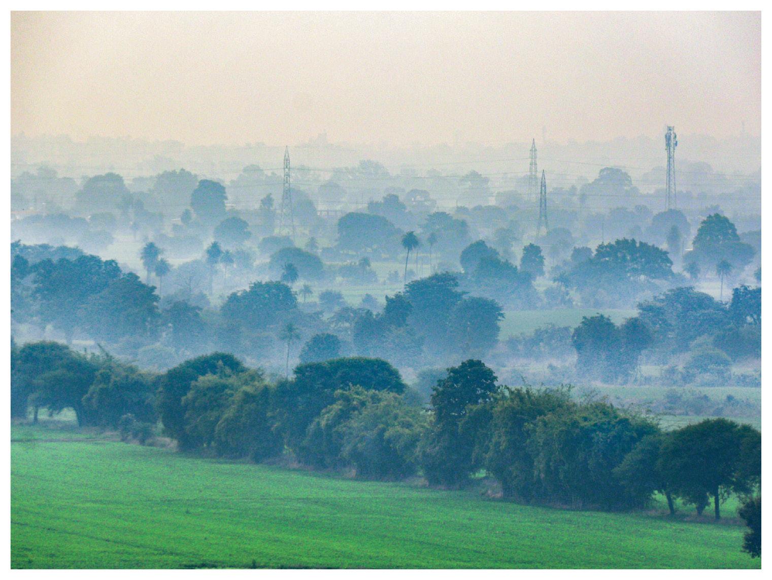 भोपाल के अचारपुरा से शहर की तरफ जाते समय क्लिक की गई फोटो।