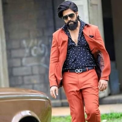 KGF star Yash's birthday: Yash is the first star in Kannada to give a film of 200 crores, take 15 crores of rupees for a film but father is still a bus driver MediaWinii 18/01/2021