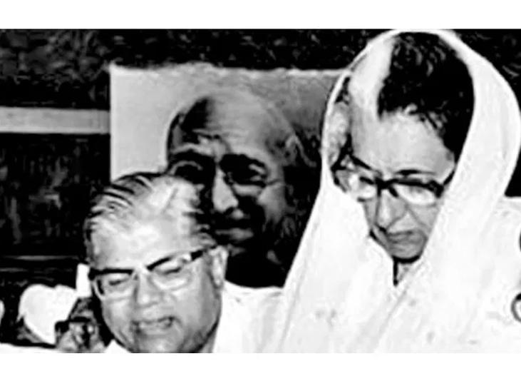 यह फोटो 1982 की है। पूर्व प्रधानमंत्री इंदिरा गांधी के साथ माधव सिंह सोलंकी।