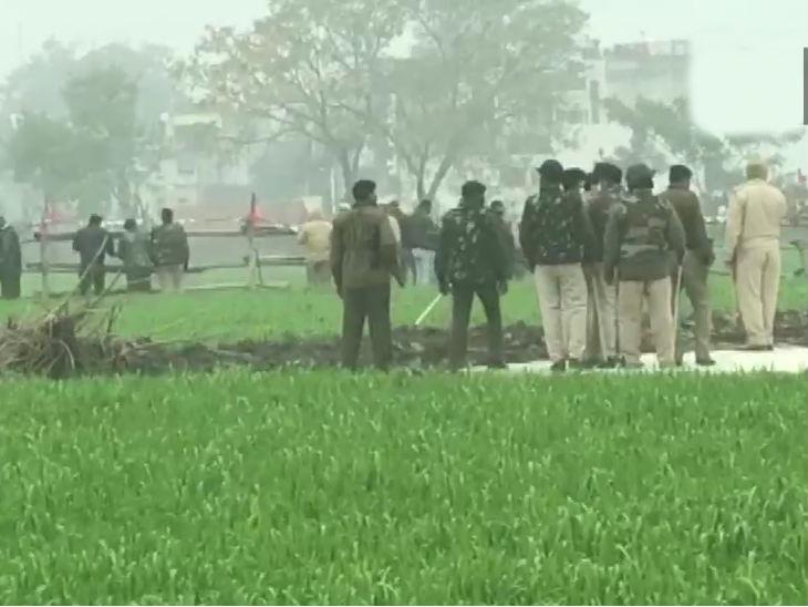 करनाल: किसान प्रदर्शन न कर पाएं, इसके लिए पुलिस ने खेतों में भी घेराबंदी कर दी।